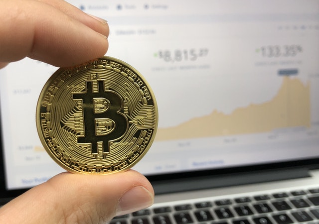 Predicting bit coin price