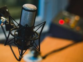Podcasting-To-Improve-Your-Marketing-675x450